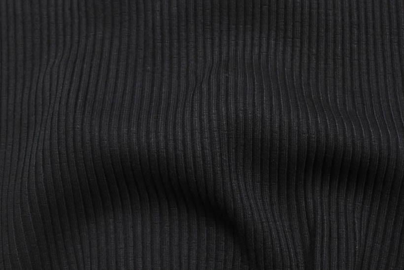 Rippenbündchen in schwarz