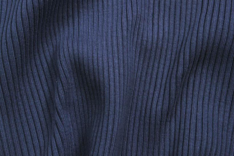 Rippenbündchen in dunkelblau