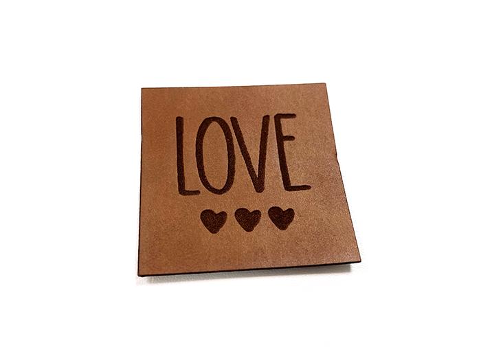 Label aus Kunstleder - Love