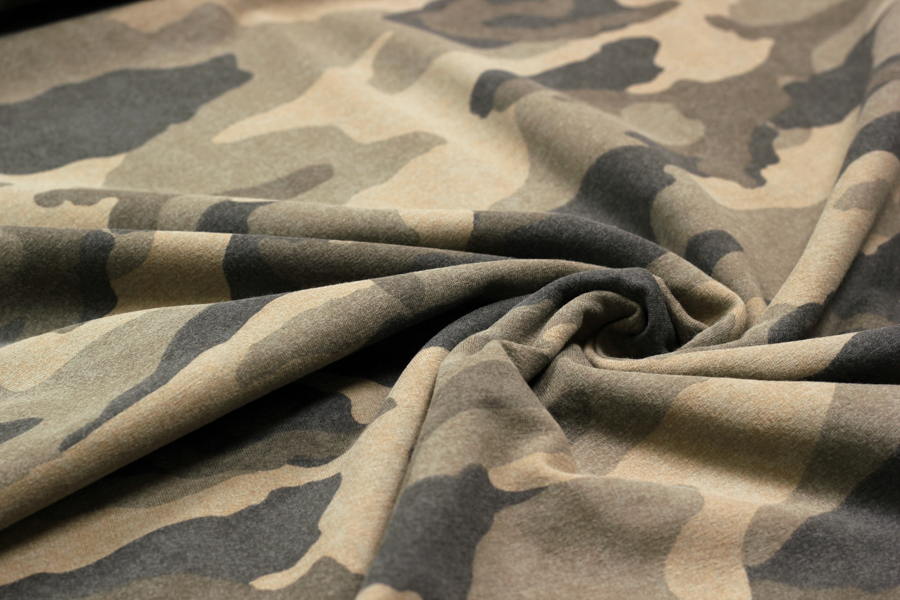 French Terry in olive mit Camouflage | Stoffe Hemmers