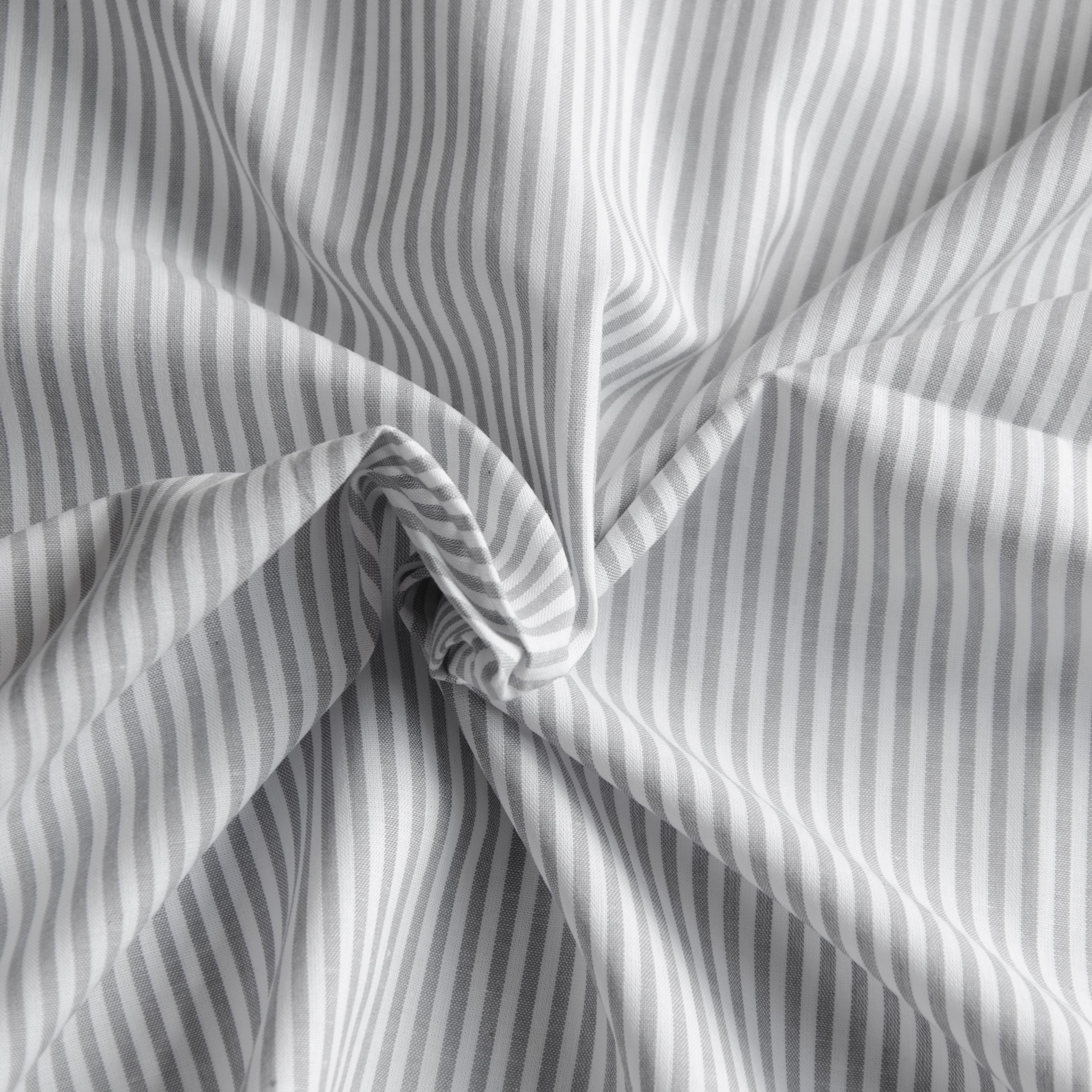 Webware Baumwolle - Ida Stripe in grau von Hilco