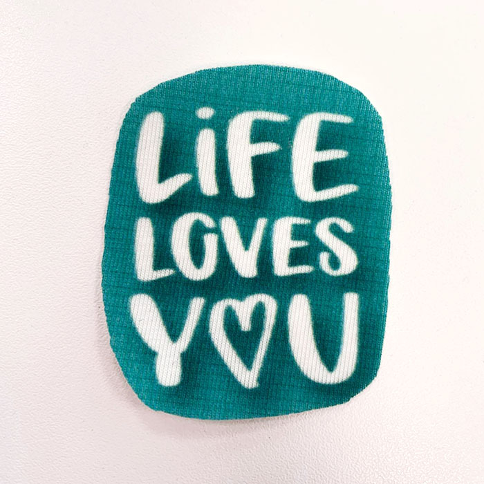 Applikation im Hamburger Liebe Design - Life Loves You