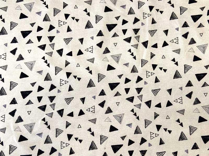 Jersey Bear Trigos mit Dreiecken auf crémeweißem Hintergrund von Hilco